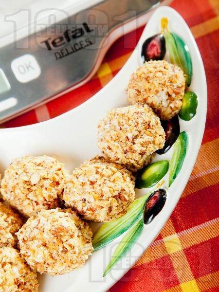 Парти хапки с цедено кисело мляко и козе сирене - снимка на рецептата